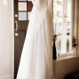Dress-by-the-door-anais-chaine-photography