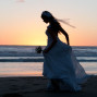 silhouette-bride-by-the-sea-anais-chaine-photography